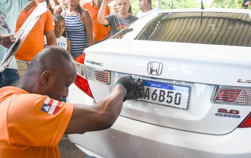 #Bahia: Placa Mercosul é fornecida por quatro fabricantes e 100 estampadores credenciados ao Denatran
