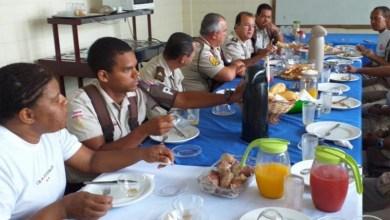 Photo of Chapada: Comandante da Polícia Militar toma café da manhã com policiais do Pelotão de Comando e Serviços