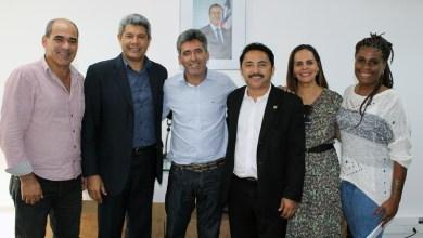 Photo of Chapada: Deputado e prefeito querem novo prédio para colégio e ampliação de hospital em Piatã