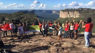 Photo of Chapada: Manifestantes se reúnem no Morro do Pai Inácio e pedem liberdade de Lula; veja vídeo