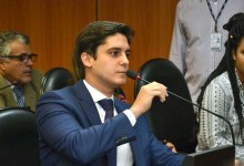 """Photo of Deputado critica Bolsonaro por fim do Dpvat: """"Milhões de brasileiros são vítimas de acidentes"""""""