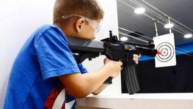 Photo of #Polêmica: Com decreto presidencial, crianças e adolescentes podem participar de clubes de tiro