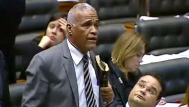 Photo of #Vídeo: Deputado baiano se diz preparado para orientar Bolsonaro por se considerar doido