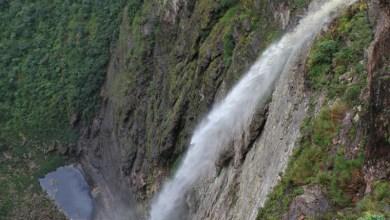 Photo of Chapada: Turista morre ao se jogar da Cachoeira da Fumaça; trilha é fechada para resgate