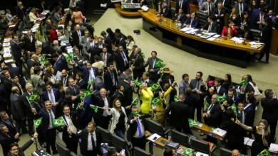 Photo of Deputados aprovam texto-base da reforma da Previdência de Bolsonaro; 379 votos a favor e 131 contra