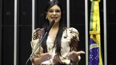 Photo of #Polêmica: Deputada quer barrar publicidade do governo Bolsonaro como condição de acesso à internet em escolas