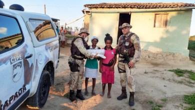 Photo of Chapada: Policiais da Cipe doam agasalhos para famílias em vulnerabilidade social no município de Ruy Barbosa