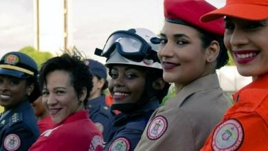 Photo of Chapada: Efetivo feminino de Bombeiros de Itaberaba arrecada mechas para campanha 'Ligadas por Fios'
