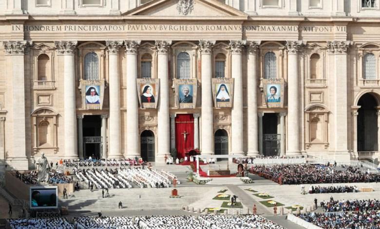 Photo of #Mundo: Santa Dulce dos Pobres é canonizada pelo papa Francisco; baianos marcam presença no Vaticano
