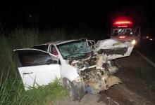 Photo of #Bahia: Acidente entre carro e carreta deixa três pessoas feridas no oeste do estado