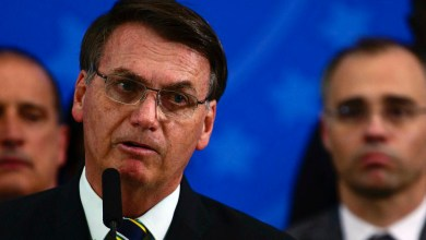 """Photo of #Polêmica: """"E daí?"""", diz Bolsonaro sobre indicação de amigo do filho para comandar a Polícia Federal"""