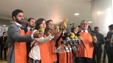 Photo of #Brasil: Deputados entram com representação para que STF inclua Flávio Bolsonaro e suplente em inquérito sobre PF