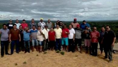 Photo of #Chapada: Prefeito de Umburanas aparece em aglomeração e moradores ficam indignados; primeiro caso de Covid-19 foi confirmado