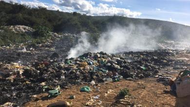 Photo of #Chapada: Em pleno período de pandemia, lixão de Palmeiras é queimado e gera indignação de moradores; fumaça afetou até rua de hospital
