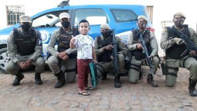 Photo of #Bahia: Criança completa quatro anos com ação surpresa de policiais militares em Ibotirama