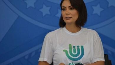 Photo of #Polêmica: Primeira-dama Michelle Bolsonaro tenta censurar música 'Micheque' da banda Detonautas; confira a letra