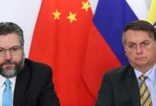 Photo of Bolsonaro quer pedir ao presidente da China a liberação de insumos de vacinas contra a covid-19