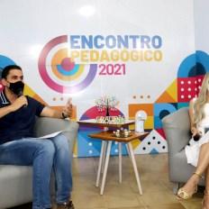 O prefeito Ricardo Mascarenhas e a titular de educação Nogma Britto   FOTO: Divulgação/PMI  