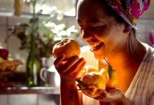 Photo of #Chapada: Confeiteira natural de Igatu cria receita inusitada de bolo de tangerina; talento conquistou Paola Carosella