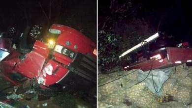 Photo of #Chapada: Caminhão tomba na região de Andaraí deixa uma pessoa morta; motorista foi levado para hospital