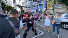 Manifestantes encenam prisão de Bolsonaro | FOTO: Divulgação |