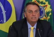 """Photo of Bolsonaro se irrita com apoiador sobre privatização da Eletrobras: """"sei que você é sindicalista"""""""
