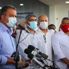 O deputado federal Valmir Assunção durante entrega da policlínica de Eunápolis - FOTO Jonas Santos 5