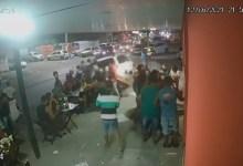 Photo of #Bahia: Mais de 20 pessoas são atropeladas na noite de sábado em Feira de Santana; assista ao vídeo
