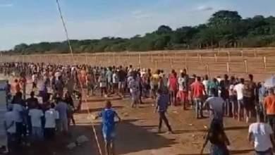 Photo of #Chapada: Aglomeração é registrada durante corrida de cavalos em Várzea da Roça; prefeito foi homenageado em evento