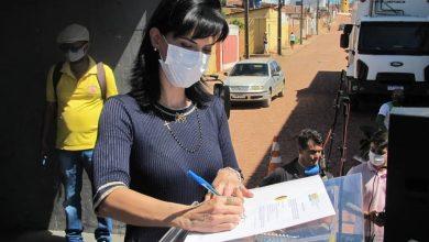 Photo of #Chapada: Prefeita de Morro do Chapéu assina ordem de serviço para início de calçamento em rua do bairro 'Rodoviária'