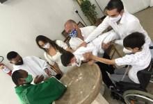 """Photo of #Vídeo: """"Não está sabendo batizar, não?"""", diz criança a padre durante batizado; menino só queria ir embora assistir desenho"""