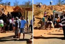 Photo of #Chapada: Carga de caminhão é saqueada após veículo tombar em trecho de estrada na região de Rio de Contas