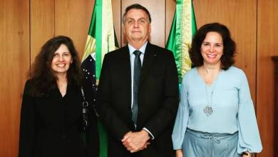 """Photo of #Brasil: Médicos negacionistas entregam a Bolsonaro documento sobre """"riscos"""" da vacina contra a covid-19"""