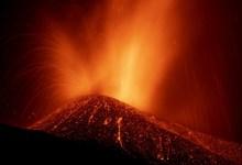 Photo of #Mundo: Atividade vulcanica se intensifica nas Ilhas Canárias; quase 6 mil pessoas já deixaram suas casas
