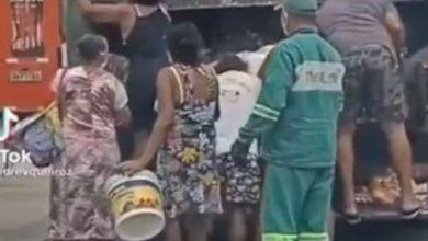 Photo of #Vídeo: Fome leva moradores a procurarem comida em caminhão de lixo em bairro nobre de Fortaleza