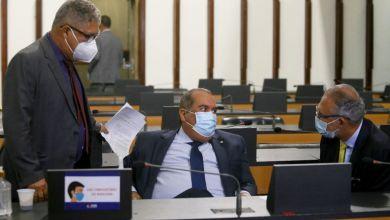 Photo of #Bahia: Deputados estaduais aprovam alterações na 'Lei Anticalote'; presidente em exercício comandou a sessão