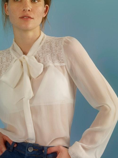 camisa branca transparência e laço