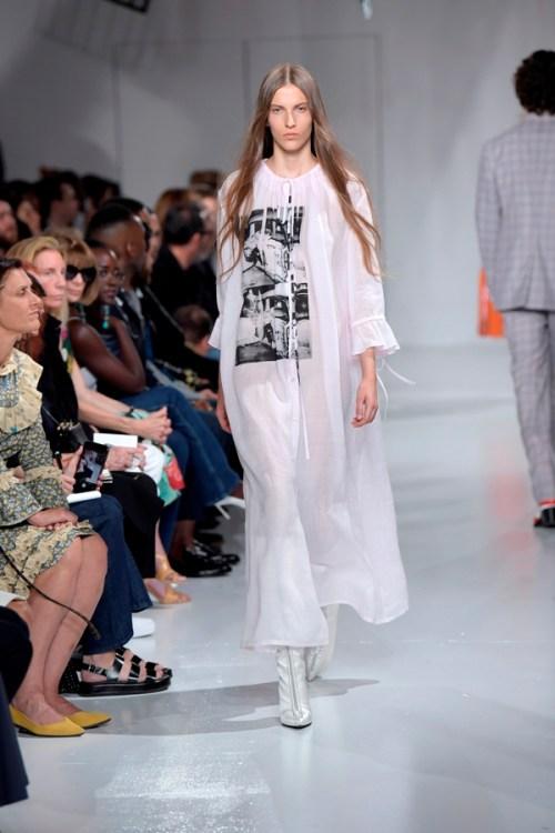 Fundação Andy Warhol para Artes Visuais e Calvin Klein NYFW - túnica longa branca