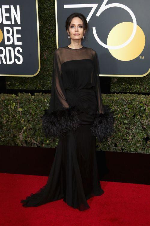 Angelina Jolie. Cortesia: divulgação (Atelier Versace)