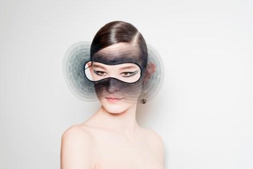 Máscara surrealista beleza Dior Alta Costura Paris