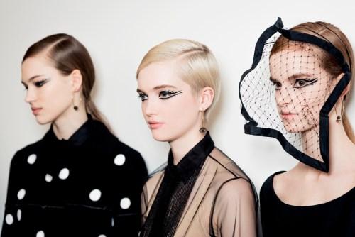 Máscara surrealista beleza Dior Alta Costura Paris - Peter Philips - olhos delineados