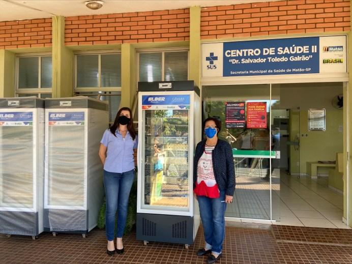 À esquerda, Mirela Jabur, gerente de marketing da Brasilux e Ana Boop, enfermeira epidemiologista do Centro de Saúde da prefeitura de Matão.(1)