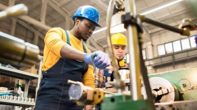 Confiança da Indústria sobe 7,2 pontos este mês, aponta prévia da FGV