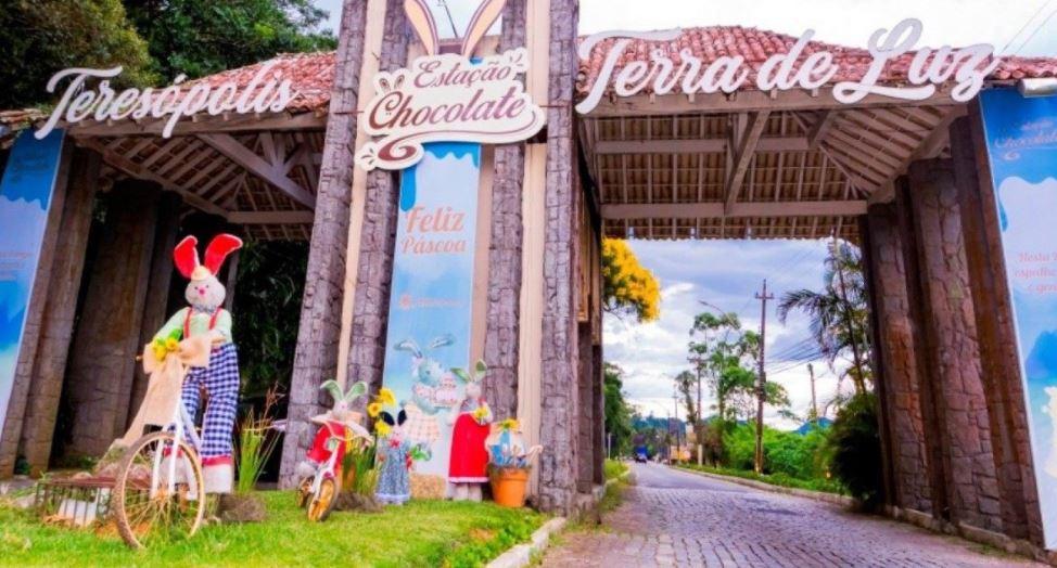 Teresópolis se prepara para a Páscoa com decoração em pontos estratégicos  do município