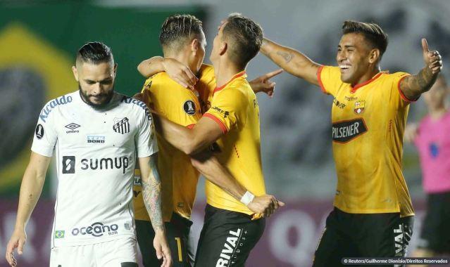 Santos e Inter estreiam com derrota na fase de grupos