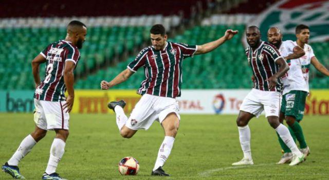 Com time misto, Fluminense derrota Portuguesa e reencontra Flamengo na final