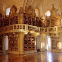 A Biblioteca do Palácio Nacional de Mafra no Dia Mundial das Bibliotecas [Imagens]