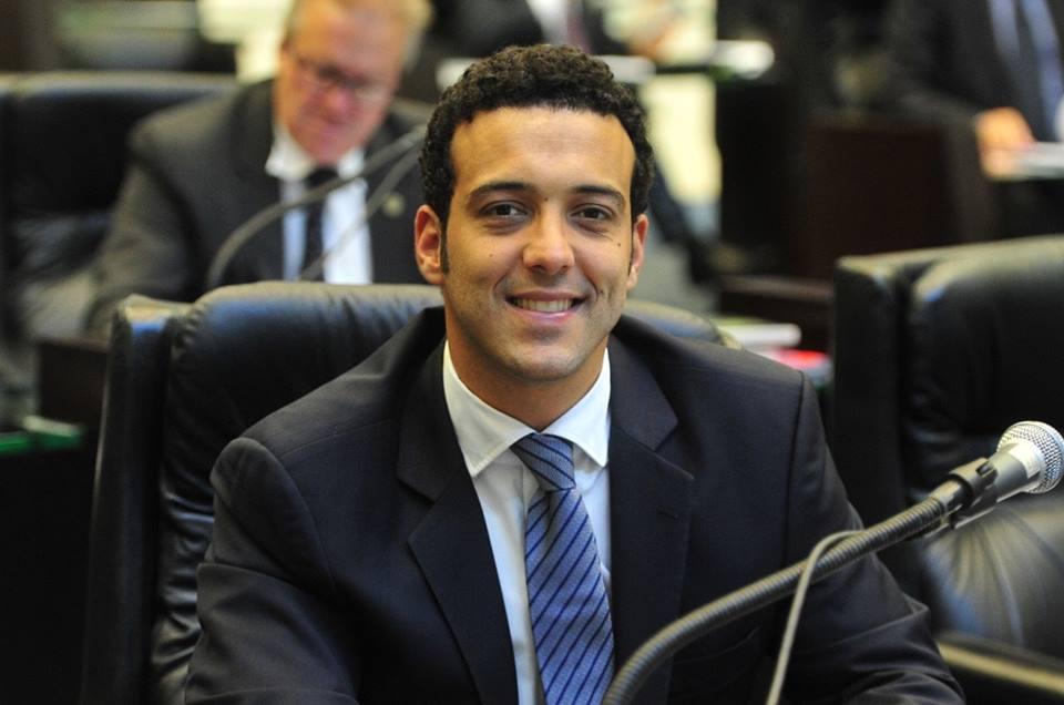 Assessoria de Comunicação do deputado Bernardo Carli divulga nota no Facebook