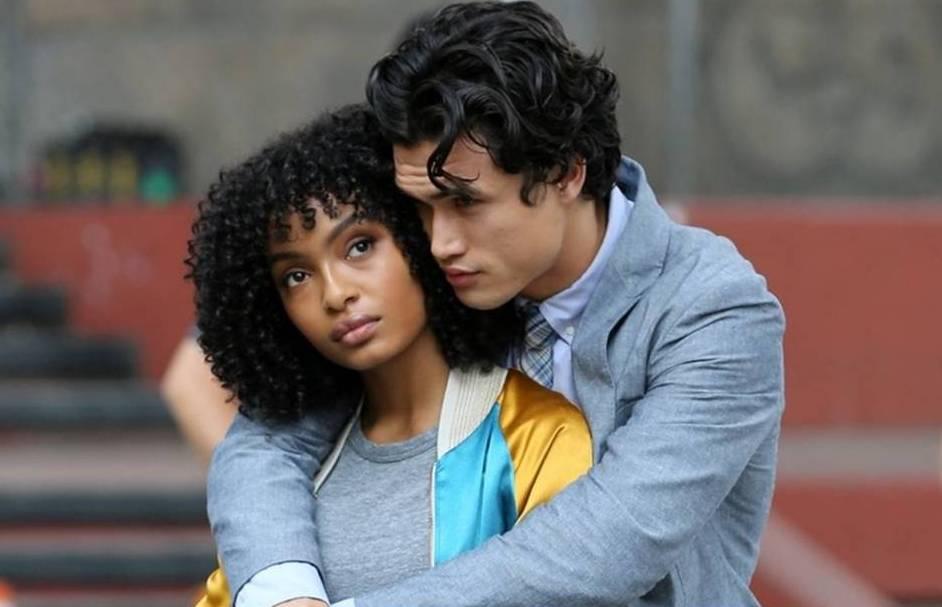 """""""O Sol Também é Uma Estrela"""" chega aos cinemas com romance leve e agradável"""