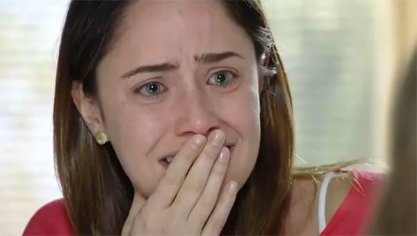 ana chora quando julia diz que nao quer mais ficar em sua casa